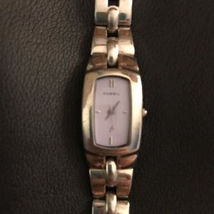 Fossil watch gently used